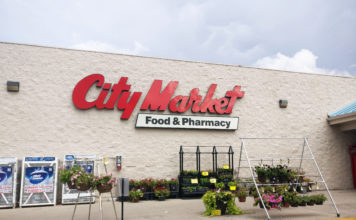 City Market, Best grocery store in Moab, groceries, arches national park, diapersonaplane, diapers on a plane, traveling with kids, creating family memories, family travel
