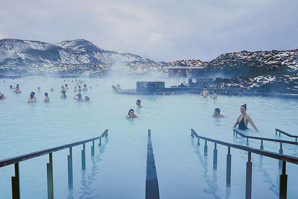 Blue Lagoon, Iceland, Christmas in Iceland, Geothermal, Lava Rocks, Swimming, Winter Swimming, Diapers on a plane, Diapersonaplane, creating family memories, family travel, traveling with kids