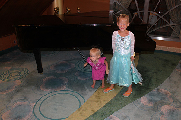 Disney Cruise: Frozen Deck Party