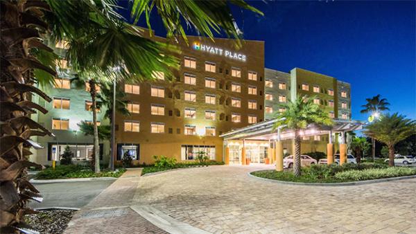 Hyatt Hospitality Hotels, Hyatt Anaheim, Hyatt Place, Hyatt Credit Card Chase Visa, Diapersonaplane, Diapers on a plane, traveling with kids, family travel