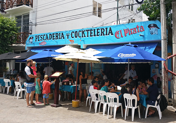 Where to Eat in playa del carmen, mexico, 5th avenue playa del carmen, yucatan peninsula, riviera maya, diapersonaplane, diapers on a plane, traveling with kids, family travel, creating family memories