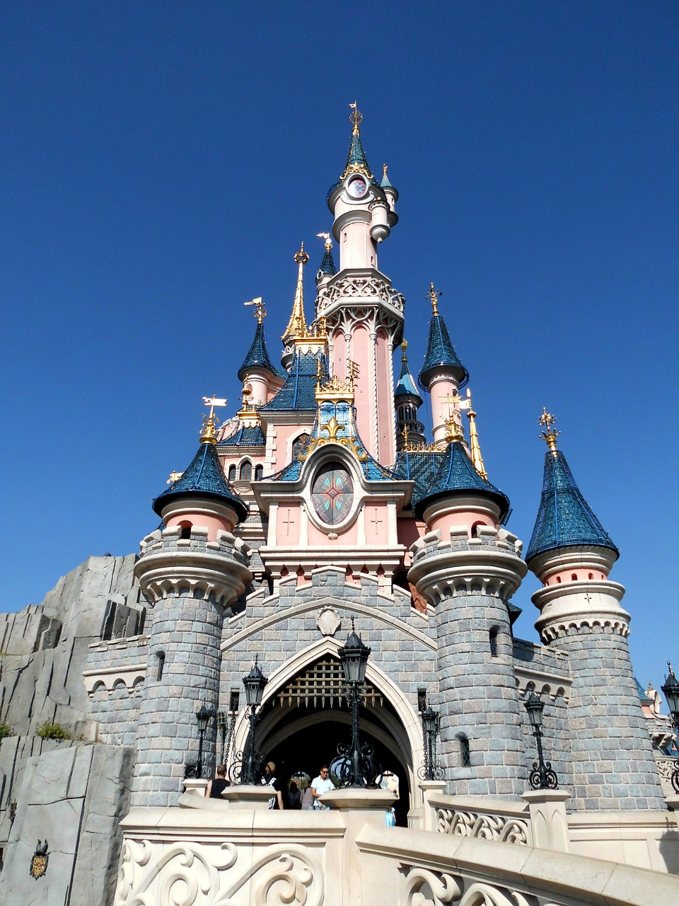 Child Trafficking at Disneyland | Are Your Kids Being Targeted?
