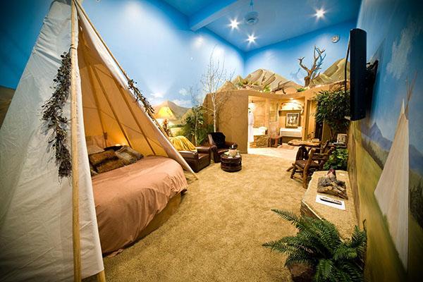 Anniversary Inn, Salt Lake City, Utah, Romantic Hotels, Night without kids, traveling with kids, family travel, creating family memories